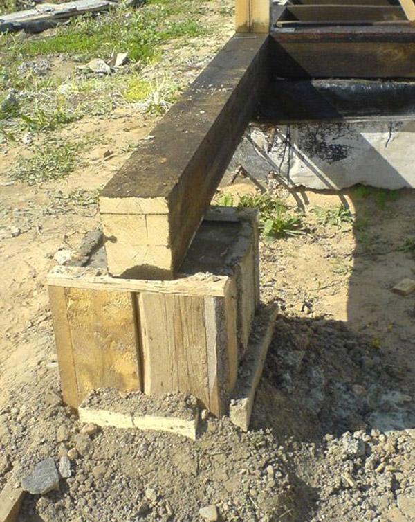 В сухом грунте возможно применение столбчатого фундамента