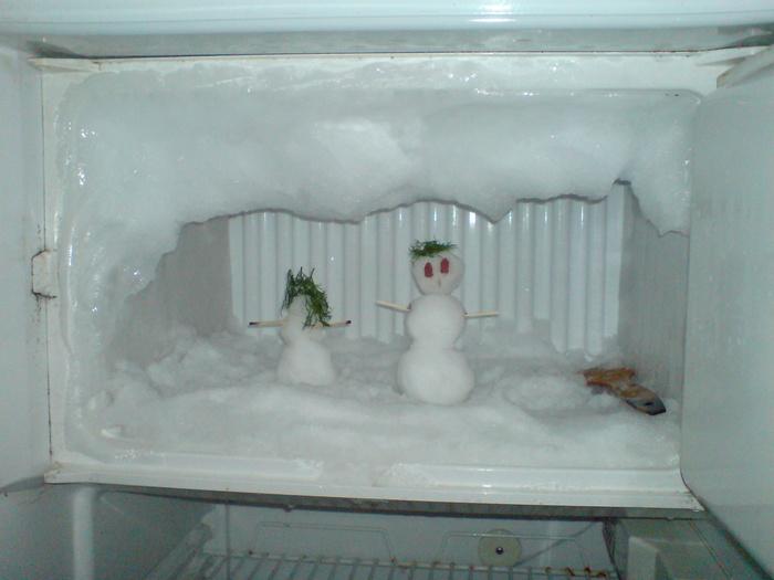 Обледенение морозилки холодильника увеличивает расход электроэнергии