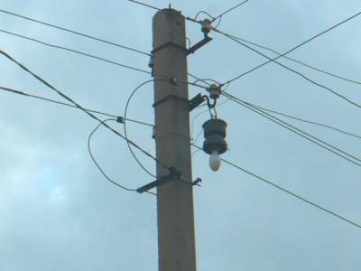 Прокладка кабеля к деревянному дому